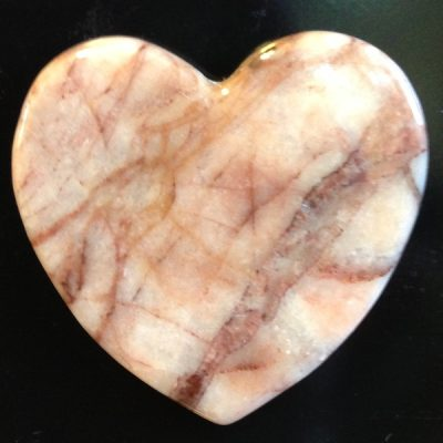kona-dolomite-heart-magnet