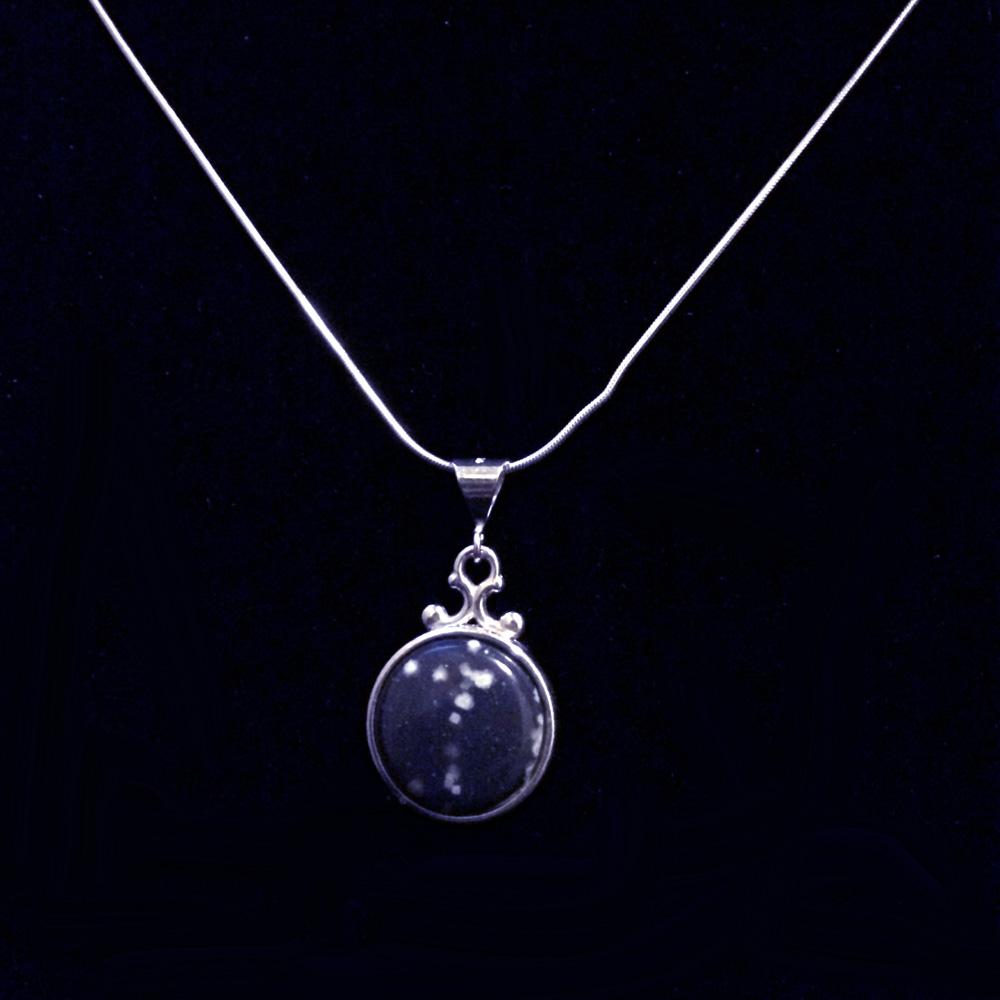 Round Leland Blue Necklace Dark Blue