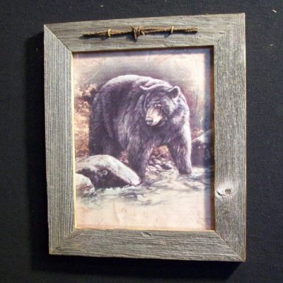 wood-barbed-wire-frame-bear-CP-133