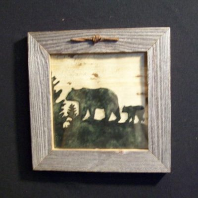 wood-barbed-wire-frame-bear-green-CP-129