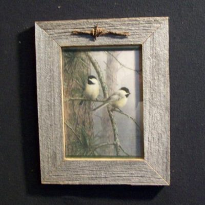 wood-barbed-wire-frame-chickadee-CP-143