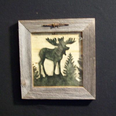 wood-barbed-wire-frame-moose-green-CP-129