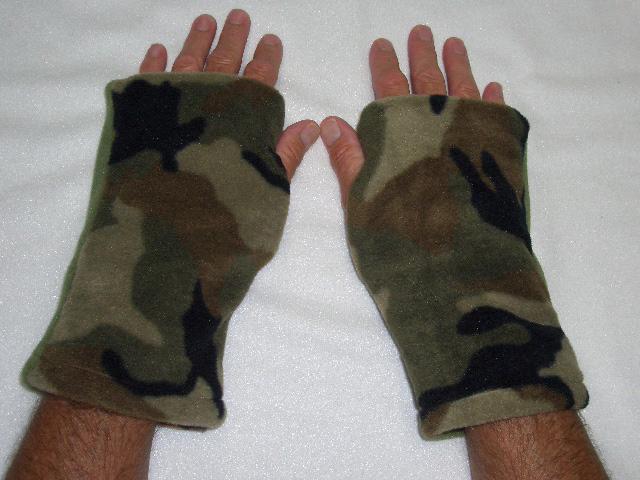 Camo Seasons Reversible Fingerless Gloves