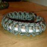 2 Stripes Paracord Bracelet DCU, Black with Kelly Green and Red Stripes