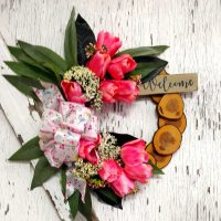 Welcome Pink Tulips Wreath 13 inch Maple Slice